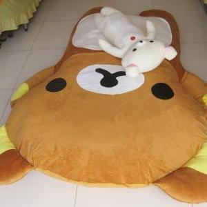 FREE SHIPPING - Big Huge Cute Model..